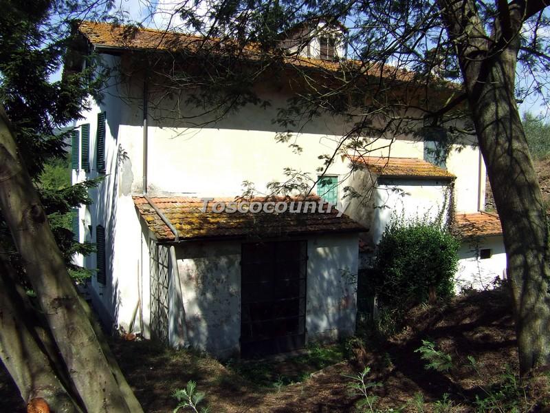 Villa di campagna dei primi del novecento con grande for Grande villa in vendita