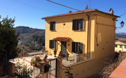 country house for sale lari tuscany