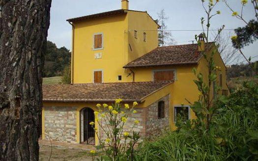 l'antica fattoria con il mulino di Lorenzana