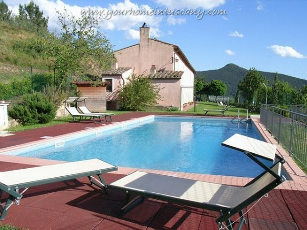 the farmhouse with pool for sale in calci