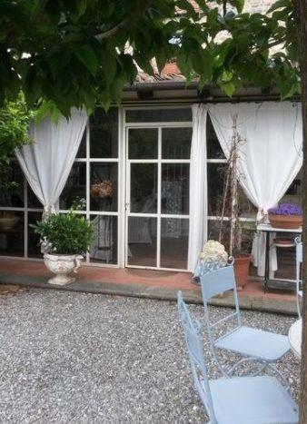 la bella veranda del casale di buti