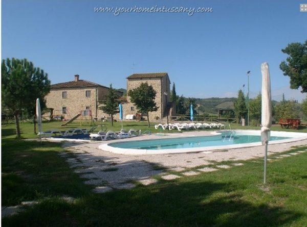 casale in pietra con piscina vendita volterra