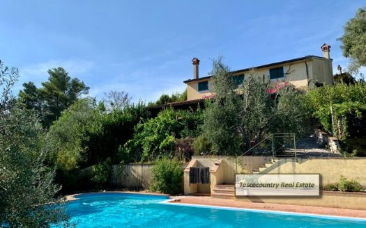 villa con piscina vendita pontedera